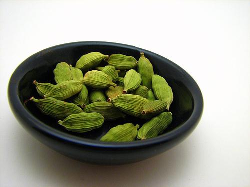 green cardamom pods